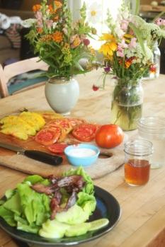 farm lunch table